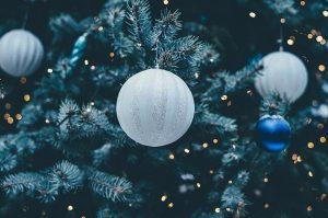 christmas-balls-1