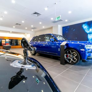 rolls-royce-brisbane=showroom-img-04